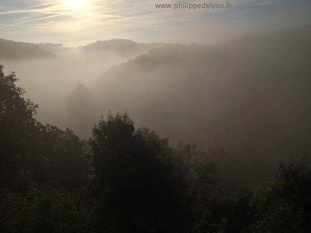 Nizier Anthelme Philippe La crémation ou d'incinération site Maitre Philippe de Lyon philippedelyon.fr lever de soleil