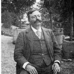 Nizier Anthelme Philippe nait le 25 avril 1849….