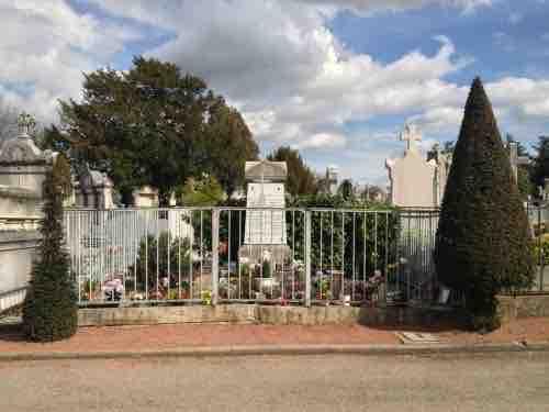 tombe au cimetière de Loyasse site Maitre Philippe de Lyon philippedelyon.fr
