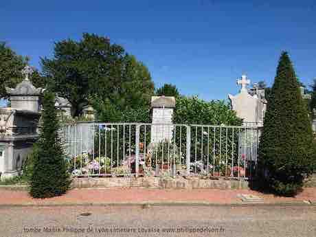 La tombe guérisseur lyonnais au cimetière de Loyasse